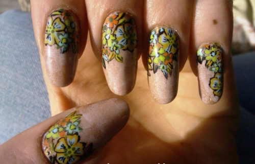 Freehand Flower Nail Art